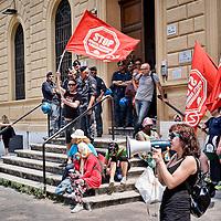 Stop sfratti, manifestazione al Tribunale Civile