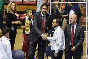 DESCRIZIONE : Torino Campionato 2015/16 Serie A Beko Lega A Manital Auxilium Torino -  Grissin Bon Reggio Emilia<br /> GIOCATORE : Alessandro Frosini Tolga Sahin<br /> CATEGORIA : Fair Play Before Pregame Arbitro Referee<br /> SQUADRA : Grissin Bon Reggio Emilia<br /> EVENTO : LegaBasket Serie A Beko 2015/2016<br /> GARA : Manital Auxilium Torino - Grissin Bon Reggio Emilia<br /> DATA : 05/10/2015<br /> SPORT : Pallacanestro<br /> AUTORE : Agenzia Ciamillo-Castoria/GiulioCiamillo