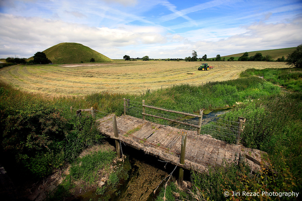 UK ENGLAND WILTSHIRE 26JUN08 - Tractor redistributes hay laid out to dry at the foot of Silbury Hill near the river Kennet near Avesbury in rural Wiltshire, western England...jre/Photo by Jiri Rezac / WWF UK..© Jiri Rezac 2008..Contact: +44 (0) 7050 110 417.Mobile:  +44 (0) 7801 337 683.Office:  +44 (0) 20 8968 9635..Email:   jiri@jirirezac.com.Web:     www.jirirezac.com..© All images Jiri Rezac 2008 - All rights reserved.