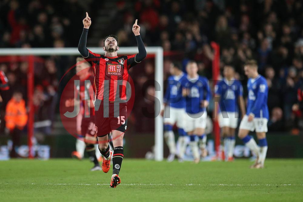 Goal, Adam Smith of Bournemouth scores, Bournemouth 1-2 Everton - Mandatory by-line: Jason Brown/JMP - Mobile 07966 386802 28/11/2015 - SPORT - FOOTBALL - Bournemouth, Vitality Stadium - AFC Bournemouth v Everton - Barclays Premier League