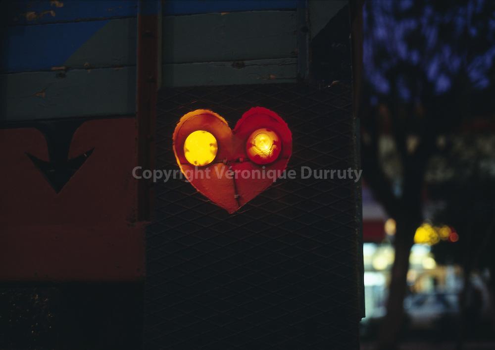 Love  ( street of Morocco ) // Amour, dans une rue au Maroc