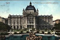 Zagreb. : Trg Franje Josipa sa umjetničkim paviljonom. <br /> <br /> ImpresumPrag : Lederer & Popper, [1910].<br /> Materijalni opis1 razglednica : tisak ; 9 x 13,8 cm.<br /> NakladnikLederer & Popper<br /> Mjesto izdavanjaPrag<br /> Vrstavizualna građa • razglednice<br /> ZbirkaGrafička zbirka NSK • Zbirka razglednica<br /> Formatimage/jpeg<br /> PredmetZagreb –– Trg kralja Tomislava<br /> Umjetnički paviljon (Zagreb)<br /> SignaturaRZG-TOM-2<br /> Obuhvat(vremenski)20. stoljeće<br /> NapomenaRazglednica je putovala 1910. godine. • U lijevom donjem kutu poleđine razglednice otisnut je monogram Lederera & Poppera - L. & P. // P. (za Prag).<br /> PravaJavno dobro<br /> Identifikatori000952728<br /> NBN.HRNBN: urn:nbn:hr:238:862349 <br /> <br /> Izvor: Digitalne zbirke Nacionalne i sveučilišne knjižnice u Zagrebu