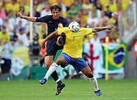 v.l. Tony Popovic, Adriano Brasilien<br /> Fussball WM 2006 Brasilien - Australien<br /> Brasil - Australia<br /> Norway only