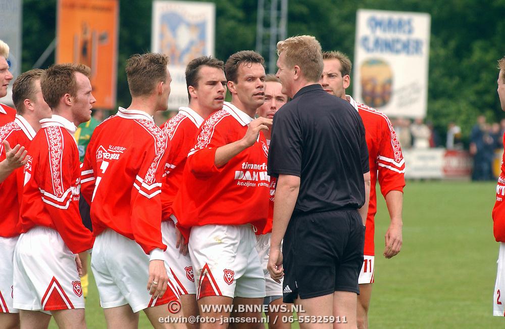 SV Huizen - Harkemasche Boys 2-2,