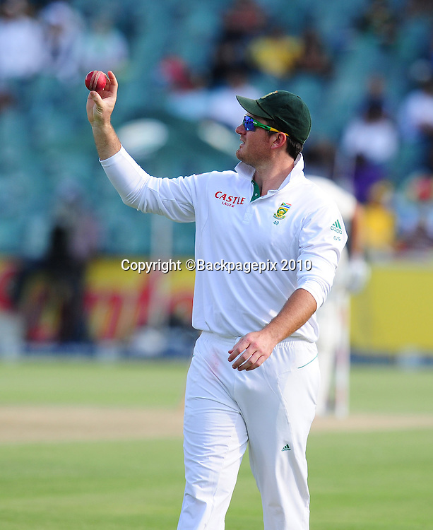 Graeme Smith of South Africa inspects the ball, Cricket - 2011 Sunfoil Test Series - South Africa v Australia - Day 4 - Wanderers Stadium, Johannesburg. 20 November 2011<br /> &copy;Chris Ricco/Backpagepix