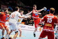 18.01.2020, Wiener Stadthalle, Wien, AUT, EHF Euro 2020, Spanien vs Österreich, Hauptrunde, Gruppe I, im Bild v. l. Gedeon Guardiola Villaplana (ESP), Janko Bozovic (AUT), Fabian Posch (AUT) // f. l. Gedeon Guardiola Villaplana (ESP) Janko Bozovic (AUT) Fabian Posch (AUT) during the EHF 2020 European Handball Championship, main round group I match between Spain and Austria at the Wiener Stadthalle in Wien, Austria on 2020/01/18. EXPA Pictures © 2020, PhotoCredit: EXPA/ Florian Schroetter