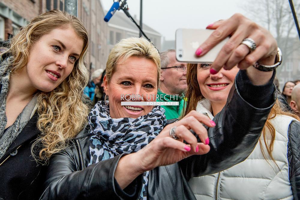 SPIJKENISSE - PVV leader Geert Wilders share out flyers in downtown Spijkenisse. The Party for Freedom here kicks off the campaign for the parliamentary elections. PVV campaign kicks off in Spijkenisse Dutch MP Fleur Agema COPYRIGHT ROBIN UTRECHT<br /> SPIJKENISSE - PVV-leider Geert Wilders deelt flyers uit in het centrum van Spijkenisse. De Partij voor de Vrijheid trapt hier de campagne voor de Tweede kamerverkiezingen af.  PVV trapt campagne af in Spijkenisse Tweede Kamerlid Fleur Agema en op de lijst nummer 3 Vicky Maeijer COPYRIGHT ROBIN UTRECHT