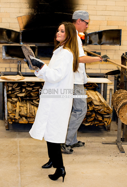 5-10-2015 S&auml;ter - visit bakery Skedvi Brot visthusboden  Prince Carl Philip and H.K.H. the Princess Sofia will visit two days the county of Dalarna 5-6 October 2015<br /> COPYRIGHT ROBIN URECHT