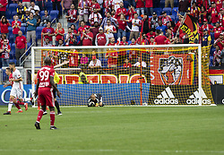 September 22, 2018 - Harrison, New Jersey, United States - Goalkeeper Luis Robles (31) of New York Red Bulls saves during regular MLS game against Toronto FC at Red Bull Arena Red Bulls won 2 - 0 (Credit Image: © Lev Radin/Pacific Press via ZUMA Wire)
