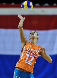 29-10-2011 VOLLEYBAL: NEDERLAND - BELGIE: ALMERE<br /> De eerste oefenwedstrijd als voorbereiding op het pre OKT wordt met 3-0 gewonnen van Belgie / Captain Manon Flier<br /> ©2011-WWW.FOTOHOOGENDOORN.NL