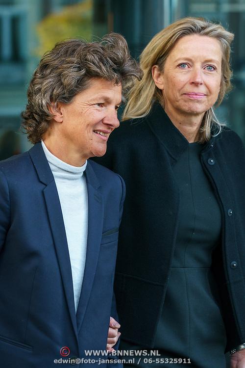 NLD/Amsterdam/20181027 - Herdenkingsdienst Wim Kok, Kajsa Ollongren en partner Irene van den Brekel