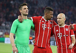 11.04.2018, Allianz Arena, Muenchen, GER, UEFA CL, FC Bayern Muenchen vs Sevilla FC, Viertelfinale, R&uuml;ckspiel, im Bild nach Spielende von links: Sven Ulrich, Jerome Boateng, Arjen Robben // during the UEFA Champions League Quarterfinal, 2nd leg Match between FC Bayern Muenchen vs Sevilla FC at the Allianz Arena in Muenchen, Germany on 2018/04/11. EXPA Pictures &copy; 2018, PhotoCredit: EXPA/ SM<br /> <br /> *****ATTENTION - OUT of GER*****