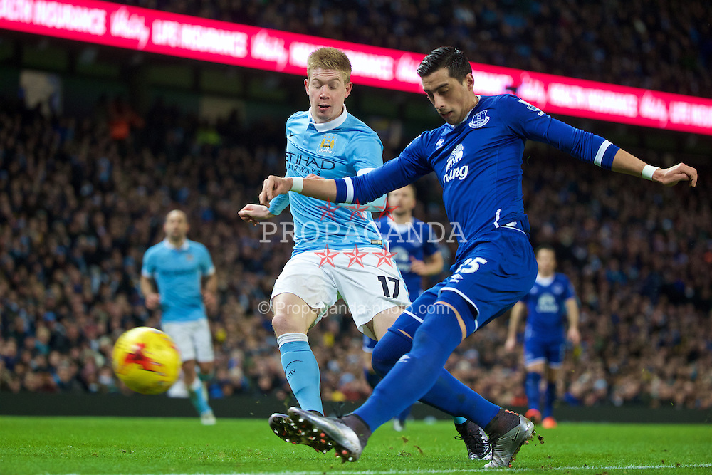 MANCHESTER, ENGLAND - Wednesday, January 27, 2016: Everton's Ramiro Funes Mori in action against Manchester City's Kevin De Bruyne during the Football League Cup Semi-Final 2nd Leg match at the City of Manchester Stadium. (Pic by David Rawcliffe/Propaganda)