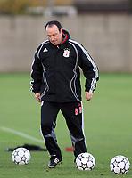 Photo: Paul Thomas.<br /> Liverpool Training session. UEFA Champions League. 21/11/2006.<br /> <br /> Rafael Benitez.