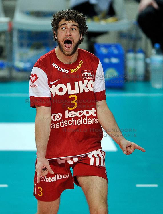 12-02-2012 VOLLEYBAL: BEKERFINALE EUPHONY ASSE LENNIK - NOLIKO MAASEIK: ANTWERPEN<br /> Noliko Maaseik wint vrij eenvoudig de beker van Belgie. In de finale waren zij met 25-21 25-18 en 25-19 te sterk voor Asse Lennik / Yannick van Harskamp<br /> &copy;2012-FotoHoogendoorn.nl