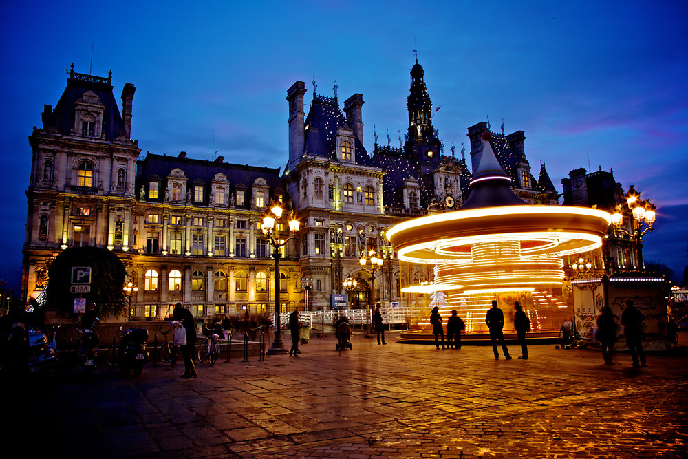 Blue Hours at l'Hotel de Ville in Paris.<br />