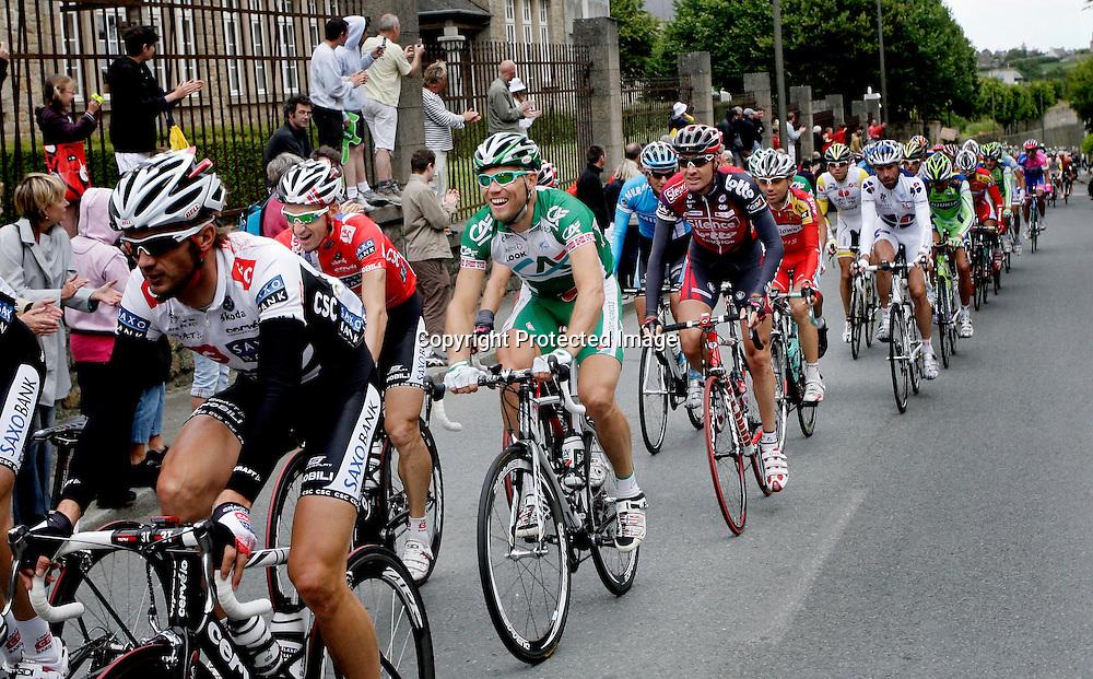 Nantes, 20080707.  TOUR DE FRANCE.Thor Hushovd under den 3.etappen i Tour de France. Her er klokken 13:14 og han er midt i en morsom samtale med Kurt Asle Arvesen...Foto: Daniel Sannum Lauten/Dagbladet