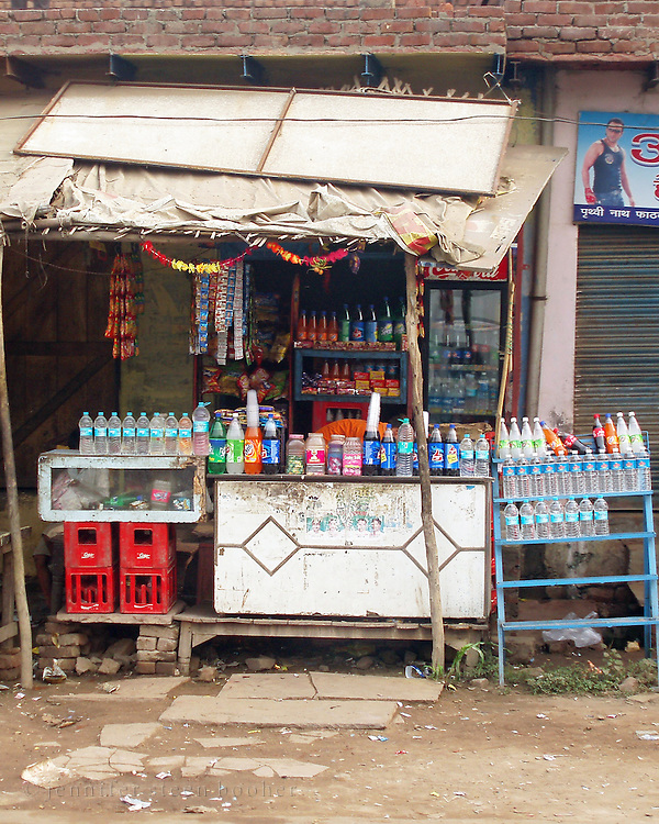 A beverage vendor's stall in Agra, India.