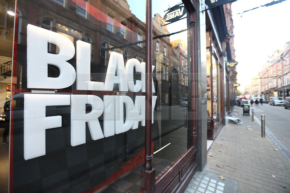 © Licensed to London News Pictures. 24/11/2017. Leeds, UK. Picture shows Black Friday in Leeds this morning. Photo credit: Andrew McCaren/LNP