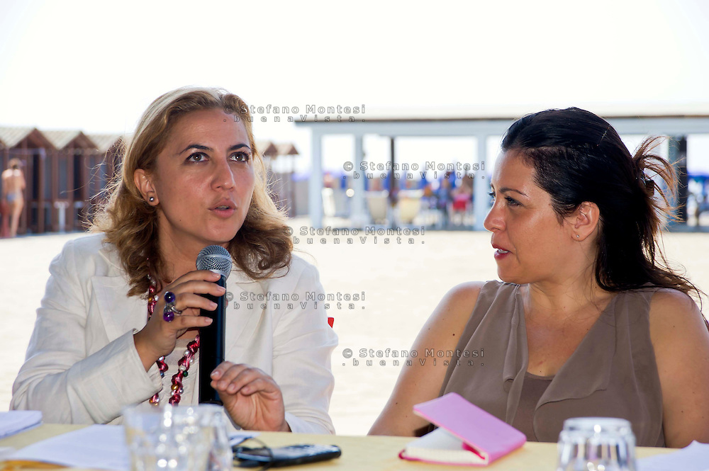 Roma 16 Luglio 2013<br /> Le vacanze solidali allo stabilimento balneare &ldquo;L&rsquo;Arca&rdquo; di Ostia<br /> Lo stabilimento balneare &ldquo;L&rsquo;Arca&rdquo; di Ostia  dalla Caritas diocesana di Roma, <br /> &egrave;  una struttura per vacanze attrezzata  pensate per famiglie con bambini ed anziani. In essa ogni giorno, a turni settimanali, sono ospitati 250 anziani seguiti dai servizi sociali dei municipi, e alcuni degli ospiti dei centri Caritas.&ldquo;C&rsquo;&egrave; chi parte&hellip; e c&rsquo;&egrave; chi resta&rdquo; presentato  il programma  che la Caritas diocesana di Roma promuove in estate con Isabella Di Chio, Emanuela Droghei, assessore alle politiche sociali X Municipio Ostia,<br /> The bathing establishment &quot;The Ark&quot; of Ostia from Caritas of Rome,<br /> is a structure equipped for holidays suitable for families with children and the elderly. In it every day, at weekly shifts, are housed 250 elderly followed by social services in the municipalities, and some of the guests of Caritas centers.