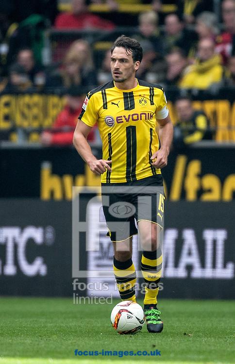 Mats Hummels of Borussia Dortmund during the Bundesliga match at Signal Iduna Park, Dortmund<br /> Picture by EXPA Pictures/Focus Images Ltd 07814482222<br /> 14/05/2016<br /> ***UK &amp; IRELAND ONLY***<br /> EXPA-EIB-160514-0077.jpg