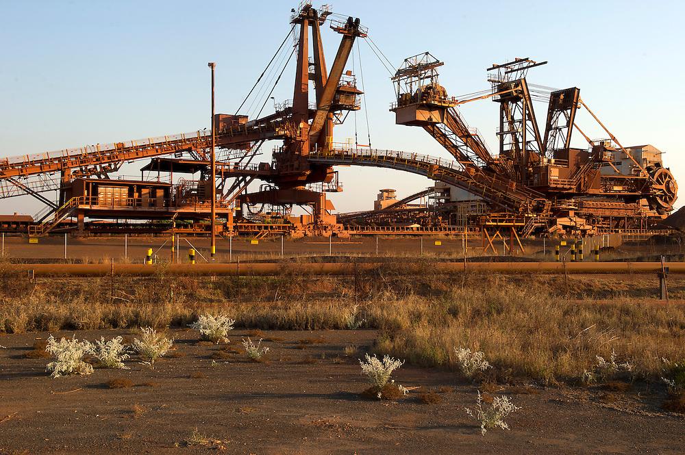 Port Hedland, the Pilbara, Western Australia - Photograph by David Dare Parker °SOUTH
