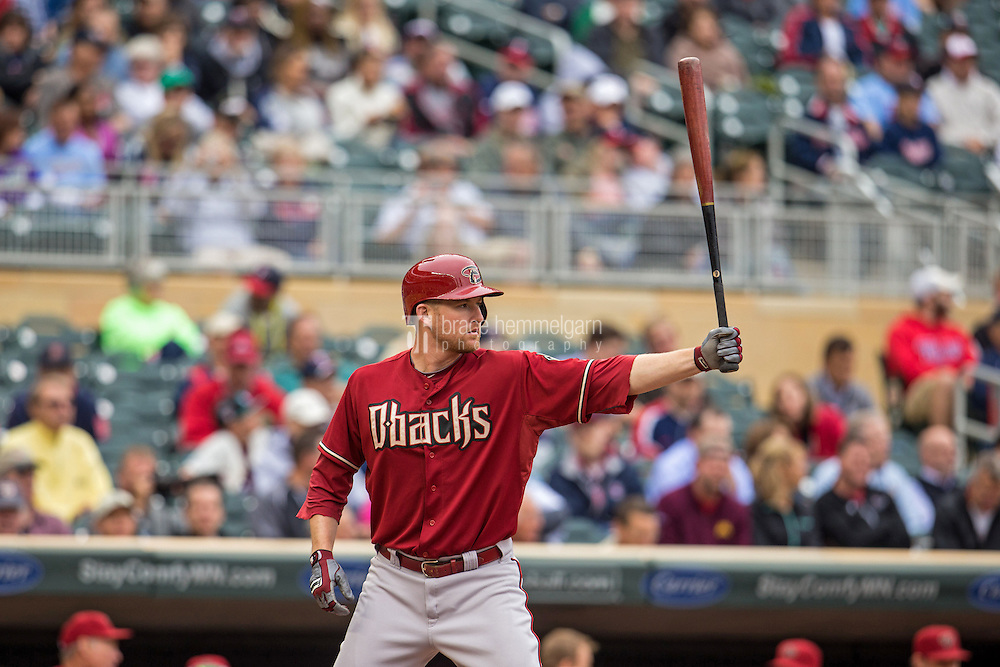 MINNEAPOLIS, MN- SEPTEMBER 24: Mark Trumbo #15 of the Arizona Diamondbacks bats against the Minnesota Twins on September 24, 2014 at Target Field in Minneapolis, Minnesota. The Twins defeated the Diamondbacks 2-1. (Photo by Brace Hemmelgarn) *** Local Caption *** Mark Trumbo