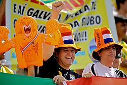 Torcida holandesa durante o jogo amistoso entre as seleções de Brasil e Hoalnda no estádio Arena da Baixada, em Goiânia, Brasil, em 04 de junho de 2011. FOTO: Jefferson Bernardes/Preview.com