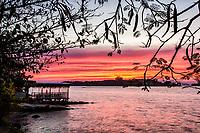 Por do sol na Praia do Ribeirão da Ilha. Florianópolis, Santa Catarina, Brasil. / Ribeirao da Ilha Beach at sunset. Florianopolis, Santa Catarina, Brazil.