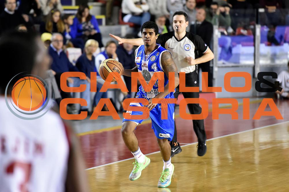 DESCRIZIONE : Roma Lega A 2014-2015 Acea Roma Banco di Sardegna Sassari<br /> GIOCATORE : Edgar Sosa<br /> CATEGORIA : palleggio<br /> SQUADRA : Banco di Sardegna Sassari<br /> EVENTO : Campionato Lega A 2014-2015<br /> GARA : Acea Roma Banco di Sardegna Sassari<br /> DATA : 02/11/2014<br /> SPORT : Pallacanestro<br /> AUTORE : Agenzia Ciamillo-Castoria/GiulioCiamillo<br /> GALLERIA : Lega Basket A 2014-2015<br /> FOTONOTIZIA : Roma Lega A 2014-2015 Acea Roma Banco di Sardegna Sassari<br /> PREDEFINITA :