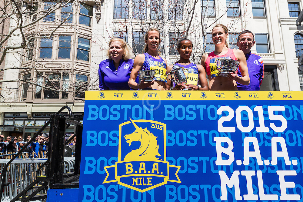 Boston Marathon: BAA Invitational Mile, women, Seyaum, winner, Uceny, Kampf