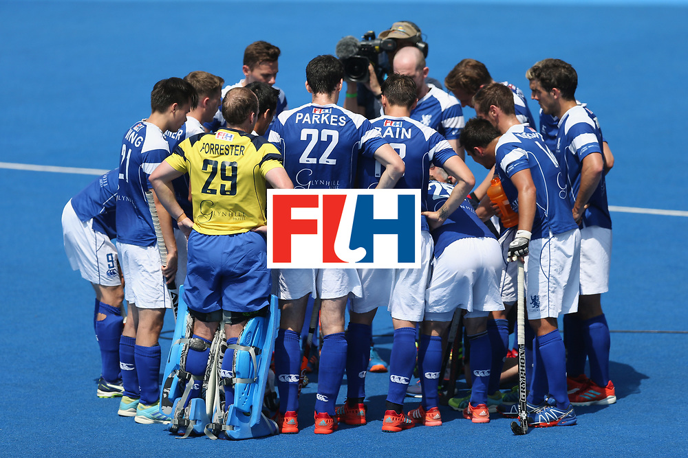 LONDON, ENGLAND - JUNE 19: Scotland team huddle during the Hero Hockey World League Semi-Final match between Scotland and Pakistan at Lee Valley Hockey and Tennis Centre on June 19, 2017 in London, England.  (Photo by Alex Morton/Getty Images)
