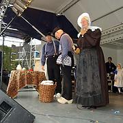Huizerdag 2001, optreden klederdrachtgroep Huizen