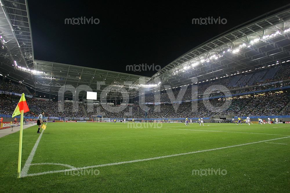 FIFA Confederations Cup Leipzig Brasilien - Griechenland (3:0)  Zentralstadion Leipzig, Nachtaufnahme, Flutlicht, Feature, Uebersicht, Eckfahne.
