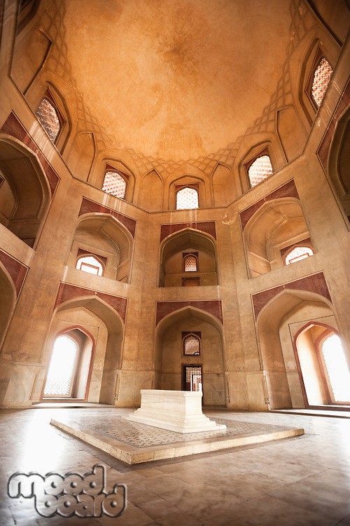 Main tomb chamber, Humayun's tomb, UNESCO World Heritage Site, New Delhi, India
