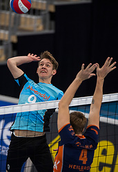 20-01-2019 NED: Talent Team Papendal - Achterhoek Orion, Ede<br /> Round 14 of Eredivisie volleyball. Orion win 3-01 of Talent Team / Leon Luini #9 of Talent Team