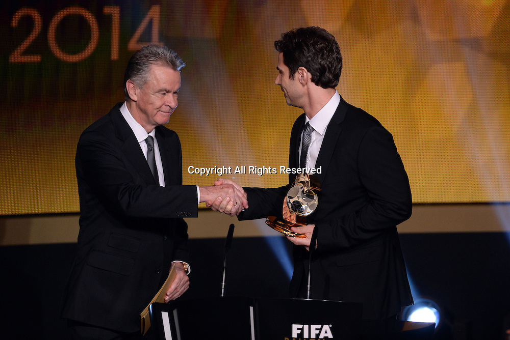 12.01.2015. Zurich, Switzerland.  VfL Wolfsburg's German head coach Ralf Kellermann (R) receives the the FIFA World Coach of the Year 2014 for Women's Football award from former coach Ottmar Hitzfeld at the FIFA Ballon d'Or 2014 gala held at the Kongresshaus in Zurich, Switzerland.