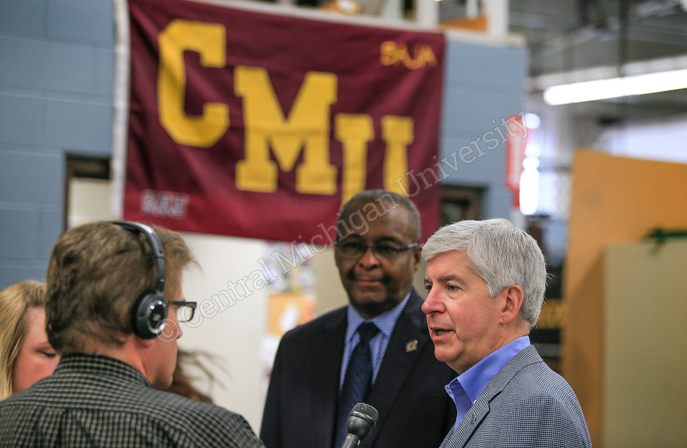 Gov. Rick Snyder visited Central Michigan University Monday. His stops included the College of Science and Technology and the College of Medicine. The governor spent time with CMU students who designed a built a competition Baja car, reviewed research being done by the Institute for Great Lakes Research thanks to a $10 million federal grant and visited the College of Medicine. Photos by Steve Jessmore/Central Michigan University