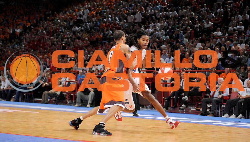 DESCRIZIONE : Ligue France Pro A  Le Mans Cholet  Finale<br /> GIOCATORE : Gelabale Mickael<br /> SQUADRA : Cholet<br /> EVENTO : FRANCE Ligue  Pro A 2009-2010<br /> GARA : Le Mans Cholet<br /> DATA : 13/06/2010<br /> CATEGORIA : Basketball Pro A Action<br /> SPORT : Basketball<br /> AUTORE : JF Molliere par Agenzia Ciamillo-Castoria <br /> Galleria : France Ligue Pro A 2009-2010 <br /> Fotonotizia : Ligue France Pro A  Le Mans Cholet Finale<br /> Predefinita :