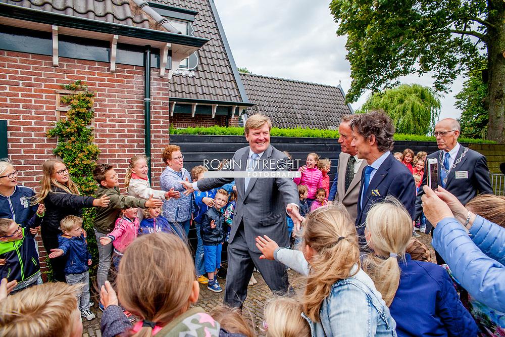 6-6-2017 OLD KARSPEL - King Willem-Alexander will visit 'The Keeping House' in Oudkarspel on Tuesday morning June 6th. This neighborhood was realized by the foundation 'Hart van Oudkarspel'. This foundation participates with the Orange Fund Collecte for the third time in the week from 6 to 11 June. COPYRIGHT ROBIN UTRECHT<br /> <br /> 6-6-2017 OUD KARSPEL -  Koning Willem-Alexander brengt op dinsdagmorgen 6 juni een bezoek aan &lsquo;Het Behouden Huis&rsquo; in Oudkarspel. Dit buurthuis is gerealiseerd door de stichting &lsquo;Hart van Oudkarspel&rsquo;. Deze stichting doet voor de derde keer mee met de Oranje Fonds Collecte die in de week van 6 tot en met 11 juni plaatsvindt. COPYRIGHT ROBIN UTRECHT