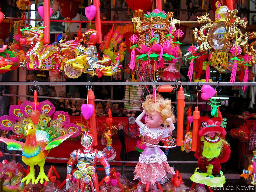 Sidewalk shop, Chinatown, Singapore. Photo by Jen Klewitz