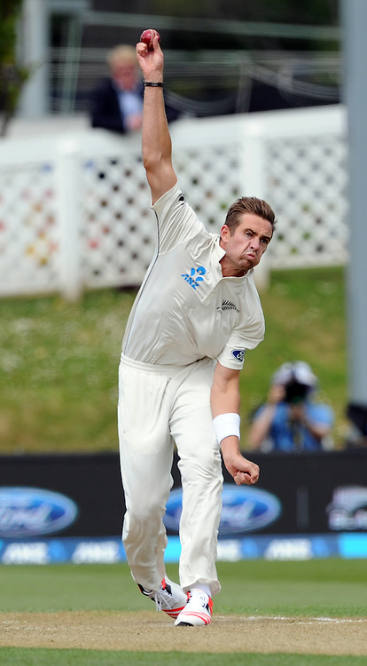 New Zealand's Tim Southee bowls against Sri Lanka on day two of the first International Cricket Test, University Cricket Oval, Dunedin, New Zealand, Friday, December 11, 2015. Credit:SNPA / Ross Setford