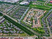 Nederland, Utrecht, Utrecht; 14–05-2020; stadsdeel Leidsche Rijn, de wijk Terwijde. Rijnkennemerlaan-Noord, kruising met Jazzboulevard en Jazzsingel. Zonnepanelen op de huizen.<br /> Leidsche Rijn district, Terwijde district in the foreground. View on the trees of the De Rijnkennemerlaan.<br /> <br /> luchtfoto (toeslag op standaard tarieven);<br /> aerial photo (additional fee required)<br /> copyright © 2020 foto/photo Siebe Swart