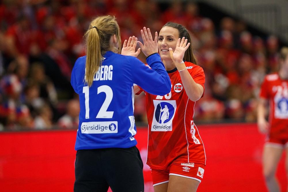 Frederikshavn, Danmark:<br /> IHF VM H&aring;ndbold for kvinder Danmark 2015 <br /> Spanien - Norge<br /> <br /> Fotograf: Morten Olsen<br /> <br /> Frederikshavn, Denmark:<br /> IHF Women&acute;s Handball World Championship Denmark 2015<br /> Spain - Norway<br /> <br /> Photographer: Morten Olsen