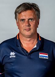 08-06-2018 NED: Photoshoot selection of Orange Young Boys, Arnhem <br /> Orange Young Boys 2018 - 2019 / Ass. Coach Erik Noord