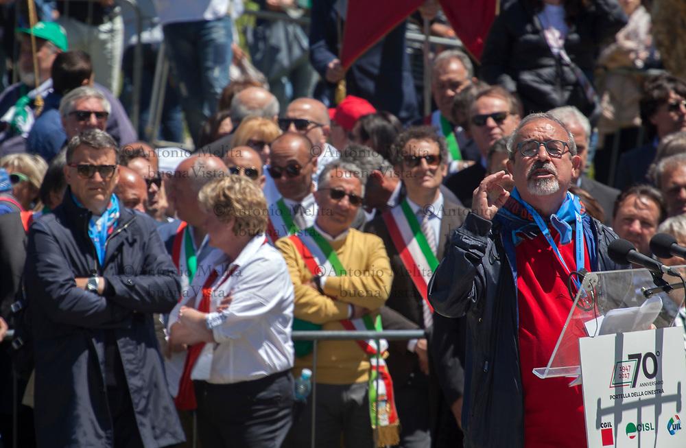 Carmelo Barbagallo, segretario nazionale UIL, interviene a Portella della Ginestra durante il 70° anniversario della strage.