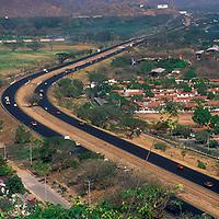 Autopista Caracas-Valencia, Estado Carabobo, Venezuela.