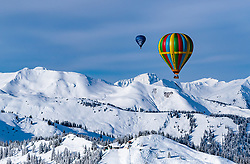 05.02.2018, Zell am See - Kaprun, AUT, BalloonAlps, im Bild ein Heissluftballone in der Luft // a hot-air balloons in the air during the International Balloonalps Alps Crossing Event, Zell am See Kaprun, Austria on 2018/02/05. EXPA Pictures © 2018, PhotoCredit: EXPA/ JFK
