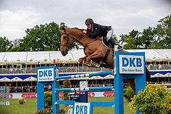 WHITAKER James (GBR), Glenavadra Brilliant<br /> Hamburg - 90. Deutsches Spring- und Dressur Derby 2019<br /> Preis der Deutschen Kreditbank AG<br /> CSI4* - Derby Tour 2. Qualifikation zum Deutschen Spring-Derby <br /> 2. Qualifikation zur Bemer Riders Tour Wertungsprüfung<br /> 31. Mai 2019<br /> © www.sportfotos-lafrentz.de/Stefan Lafrentz