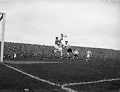 1958 - F.A.I. Cup Final: Shamrock Rovers v Dundalk at Dalymount Park